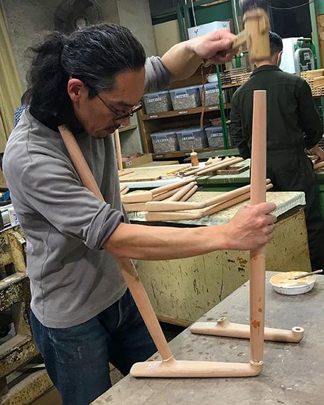 宮崎椅子製作所の制作風景2